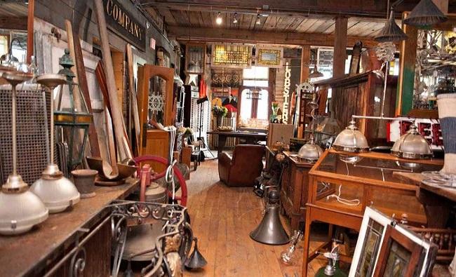 Có nên mua đồ gỗ cũ thanh lý hay không?